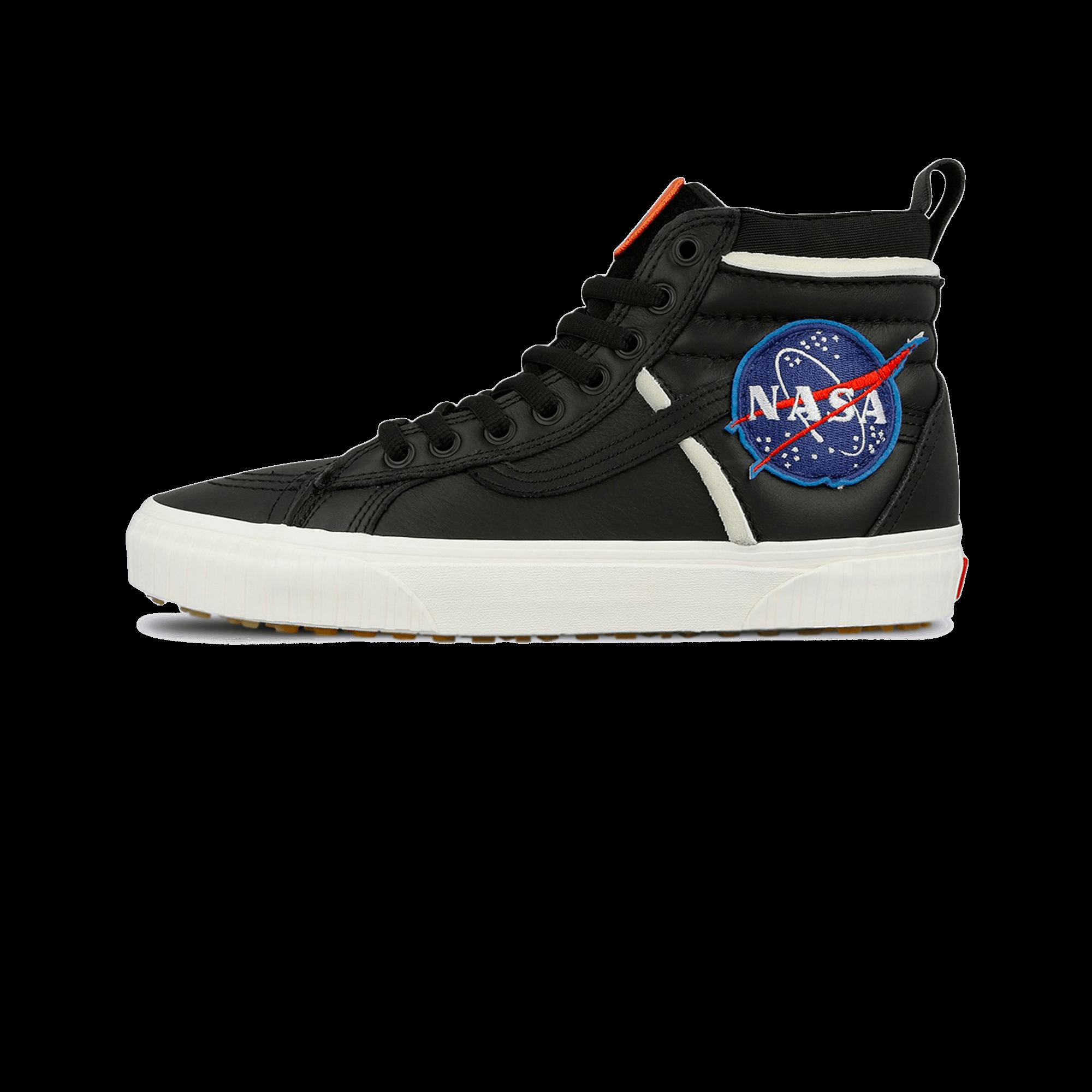 Vans UA SK8 Hi 46 MTE DX x NASA space voyager black Uomo |